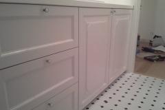 Köögimööbli-ukse-värvitud-valgeks